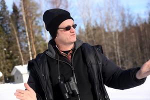 Ornitologen Thomas Birkö i Örnsköldsvik är säker på att det inte handlade om någon förgiftning.Bild: Jennie Sundberg