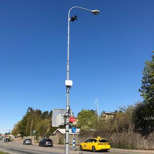 Sensorerna ska används för att analysera biltrafiken i Norrtälje stad. Den här sensorn sitter på Vätövägen.