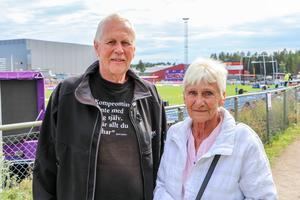 Gunnar Söderling och Millan Holmsten såg fram emot  kvällens stav- och höjdhoppsfinaler.