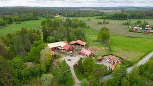 Gården har 4,4 hektar mark. Foto: Utsikten Foto