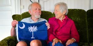 Äkta makarna Harald Henrysson och Susan Flaster bor över 700  mil från varandra.