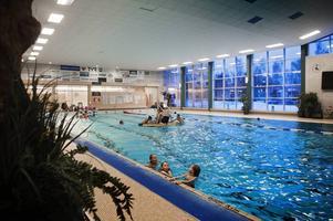 Flera av Bollnäs kommuns simhallar och idrottsanläggningar är i behov av renovering.