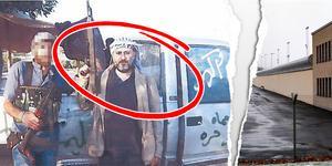Haisam Omar Sakhanh  poserar med sin k-pist i Syrien 2012.