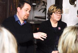 Thony Lundberg, områdeschef på Länstrafiken, fick svara på många frågor från dem som samlats till mötet.