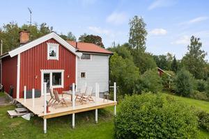 """""""Jag tror att det uppskattas av många, just att man kan forma det lite som man vill"""", säger mäklaren Elin Hjalmarsson. Bild: Carlsson Ring Fastighetsmäklare."""