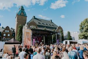 Uti publikhaven var stämningen på topp och det märktes i artisternas omdöme av festivalen, berättar Alf Westerdahl.