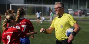 En rutinerad herre – Björn Bjelmén har gjort 22 år(!) som domare.