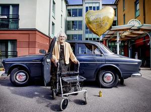 I dag den 7 augusti 2018 fyller örebroaren Rut Lindmark 105 år. Dagen till ära ska det vankas en tur i familjens Volvo Amazon – Ruts pärla fram till dess att det var dags att lägga körkortet på hyllan.