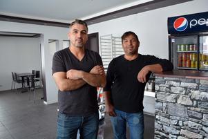 Ali Altun och Kazim Altun öppnar restaurang och pizzeria i Mellansel.