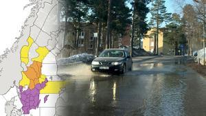 Det var mycket vatten på vägarna i området Haga-Norrliden under fredagsmorgonen. SMHI har utfärdat en klass 1-varning. Bilden är ett montage.