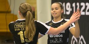 Caroline Zandén och Isabelle Ramströms Örebro FC gjorde som Latorp på herrsidan – tog dubbeln, DM-guldet och den stora, lokala futsalcupen. För Latorps del AIF-cupen, för ÖFC:s del Ladies night cup.