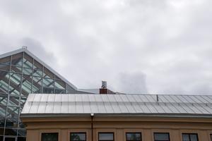Masten sitter på taket till Grönborg.