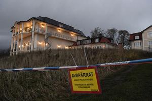 Under tisdagen spärrades hela Johannesbergs slottsområde i Gottröra av. Det är polisen som bevakar slottet där det blir fredsförhandlingar.
