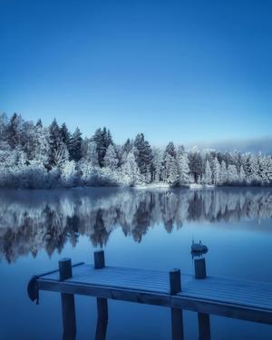 Foto: Lotta Sävenmark En mycket kall morgon vid Dalälven Insjön.