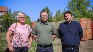 Laila Borger (S) är orförande i Gamla byn, Anders Löfberg är projektchef på Gamla by AB och Jan Näslund är vd på dito.