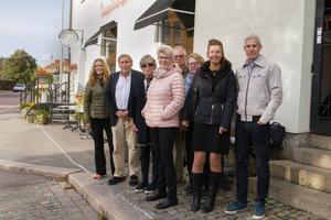 Släkten samlades för födelsedagskalas i Köping. Yvonne Hedberg, barnbarn, Jan Nilsson, Madeleine Nilsson, barnbarn, Gunell Desell, barnbarn, Jan-Erik Hedberg,  Inger Hedberg, Annica Schröder, barnbarn och Peter Schröder.