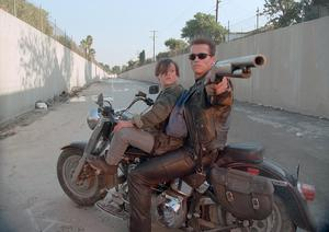 Edward Furlong och Arnold Schwarzenegger i