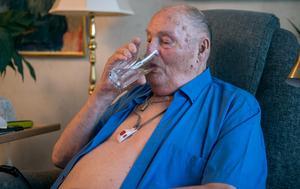 Sven-Erik LIndberg har inte svårt att komma ihåg att dricka vatten.