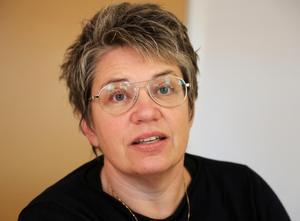 Oppositionsrådet Åsa Sjödén (S) oroas över Sollefteås ekonomi.