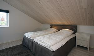 Sunda material i byggnaden gör att gästerna kan sova lugnt.