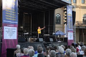 Isak Uddström imponerade publiken med sin sång.