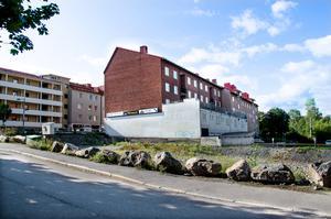 På den här tomten på Storgatan 66 i Sundsvall planerar Corner Property Partners att bygga nya hyresrätter.