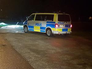 Polisen söker efter försvunnen 17-åring i Kvarnsveden. Foto: Torbjörn Wahlin.