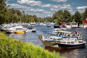 Enligt arrangören, Torsångs idrottsförening, hade ett 50-tal båtar lagt till längs Lillälven under firandet. Många av dem kommer dagen innan och spenderar en natt för att få en så bra plats som möjligt.