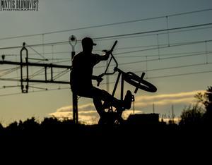 Fotade när det trixades i cykelparken i skinnsberg