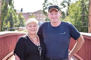 Lillemor Eriksson och Kjell Gustavsson gifter sig på Lilla Torget i Avesta i samband med kommunens 100-årsfest på lördag.