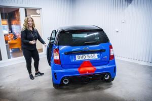 Trafikhuset i Hudiksvall har köpt in en mopedbil för att kunna erbjuda unga med AM-kort frivillig halkbana.