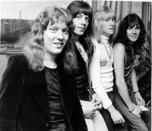 Popgruppen The Sweet på Sverigebesök i oktober 1974. Fr v Steve Priest, Andy Scott, Brian Conolly och Mick Tucker. Foto Leif R Jansson/TT