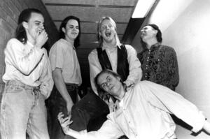 Kyss januari 1991. Peter Bergman, Olle Lindqvist, Anders Eliasson, Kenneth Björklund och Magnus Wilén. Foto: ÖP:s arkiv