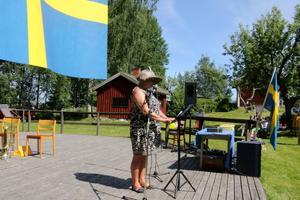 Högtidstalare. Anna-Karin Landin höll tal vid Hallsbergs hembygdsgård. Foto: Åsa Eriksson