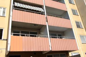 De tidigare slutna balkongerna på nordost ...