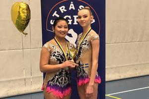 Mira Ljungman och Fidelie Uddén från Jönköpings Gymnastikförening vann i helgen Svenska Cupen i duo för juniorer. Foto: Privat