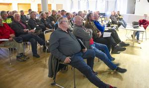 När kommunen mötte intresserade för att prata om reglering av skotertrafiken kom många frågor och åsikter fram. Många var irriterade och ställde spetsiga frågor.