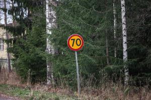 Snart byts 70-skyltarna – på en liten bit av väg 57 – ut.