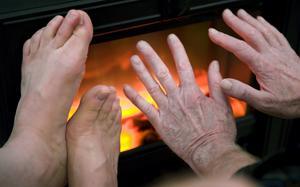 Bolaget har värmen låst på 21 grader och det är för lågt, vilket känns.Det går t ex inte att bara sitta