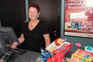 Sigrid Back Vennberg trivs på biografen och har trots att hon fyllt 70 år inga planer på att sluta jobba.