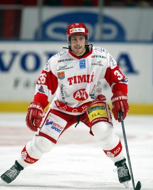 Pär Styf i Timråtröjan i oktober 2002. Den säsongen drog han på sig hela 112 utvisningsminuter. Bild: Björn Tilly/Bildbyrån.