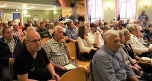 Drygt 100 åhörare infann sig vid Trafikverkets samrådsmöte under tisdagen.