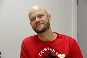 Försteläraren Erik Lännström har märkt positiva effekter av arbetssättet även när det gäller elever med svensk bakgrund.