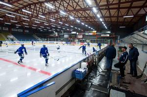 Ishallen i Borlänge lämnar mer att önska inför framtiden.