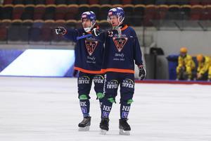Två av elitseriens fem spelare födda på 70-talet finns i Bollnäs – liberokapten Andreas Westh, 42 år, och slitstarke Ville Aaltonen, 40 år.