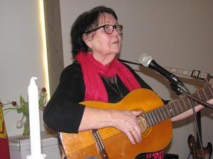 Norma Sellgren vittnade med en sång hon själv skrivit vid Gemenskapsträffen på Frälsningsarmén i onsdags.