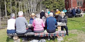 SPF Gagnef-Floda har hållit möte på Hembygdsgården i Mockfjärd och temat för dagen var vårfåglar.