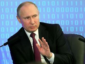Vladimir den Store? Eller ledaren över ett land som faller samman i kaos? Putins roll i historieböckerna kommer att påverka hans agerande. Bild från ryska statsfotografer förmedlad via AP.