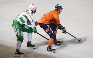 Anton Dahlberg var förkyld – då fick Jesper Larsson gå in på högerhalven, och gjorde en strong insats.