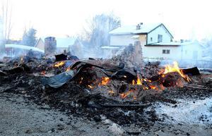 Villan brann ned till grunden.
